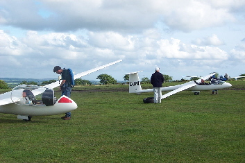 Private gliders at launch point